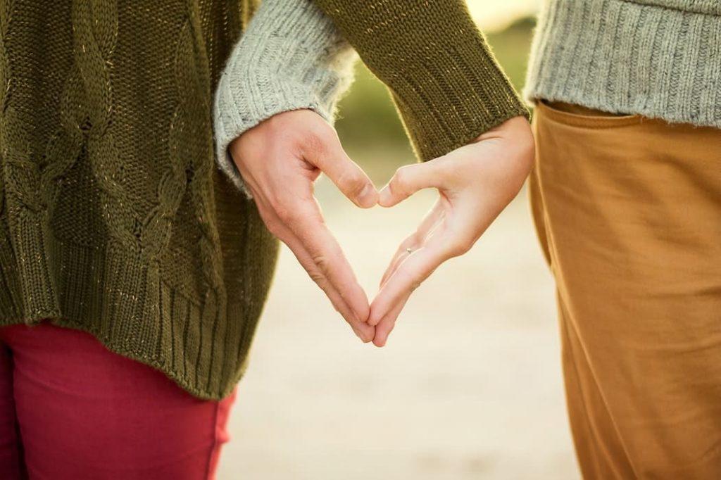 Hands-love