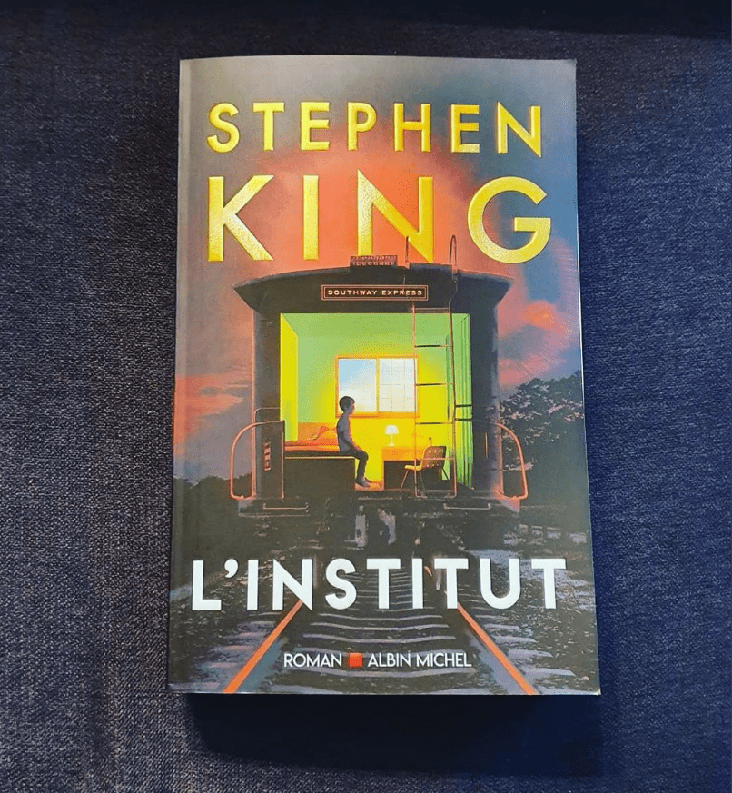 "Couverture et Pitch du livre ""L'institut"".  Source : Stephen King France"
