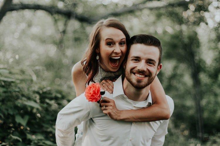 Un couple heureux. | Photo : Pixabay