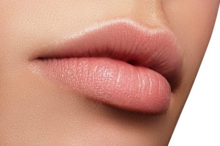 Lèvres pulpeuses. | Photo : Unsplash