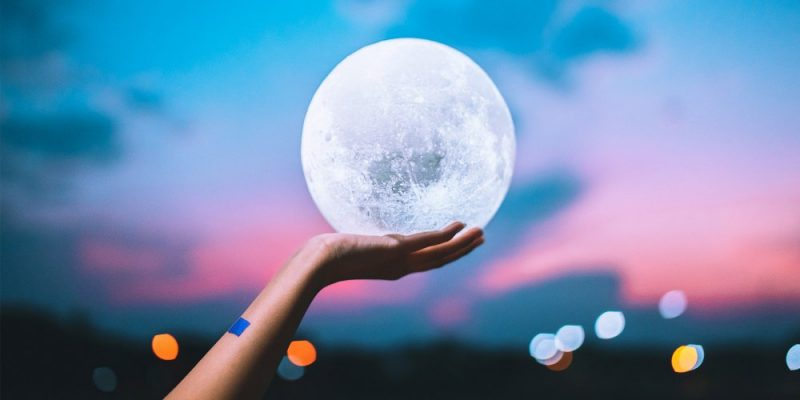 La pleine lune. | Photo : Unsplash